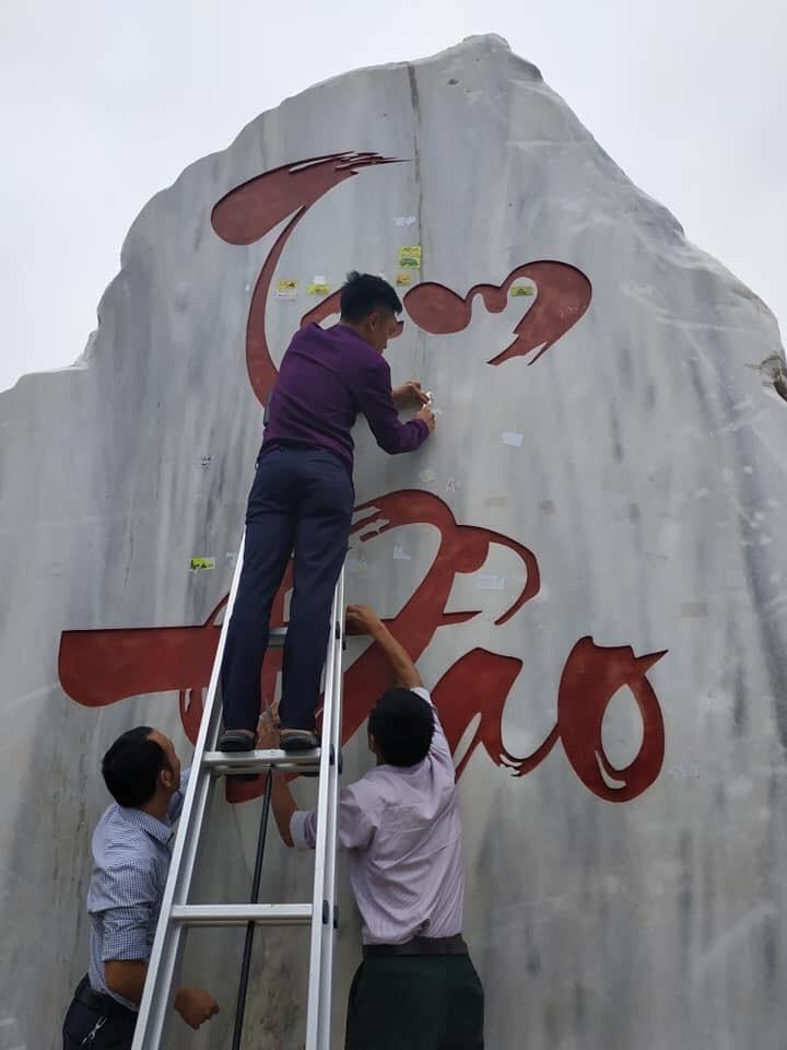Clip nam thanh niên dán logo phản quang vào biển báo địa danh đèo Khau Phạ khiến dân mạng bức xúc: Đừng làm xấu danh nghĩa phượt thủ! - Ảnh 5.