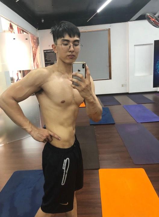 Hoá soái ca nhờ cắt bỏ 20kg mỡ thừa trong vòng 8 tháng, trai đẹp tiết lộ chuyện bị gạ gẫm ở phòng gym - Ảnh 2.