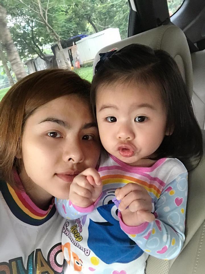 Vân Trang khoe ảnh gia đình hạnh phúc nhưng biểu cảm của con gái lại có gì đó sai sai - Ảnh 6.