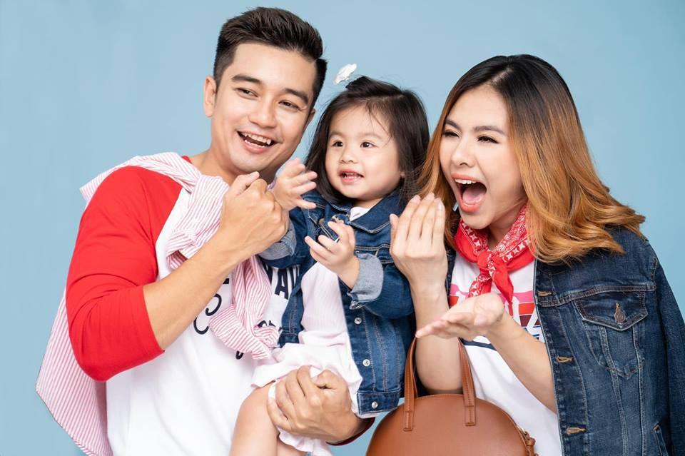 Vân Trang khoe ảnh gia đình hạnh phúc nhưng biểu cảm của con gái lại có gì đó sai sai - Ảnh 10.
