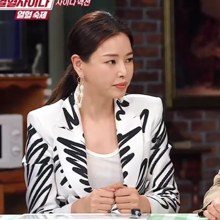 Chỉ với một bộ suit, Tóc Tiên át từ Lâm Tâm Như cho đến Hoa hậu Hàn Quốc đẹp nhất thế giới - Ảnh 6.