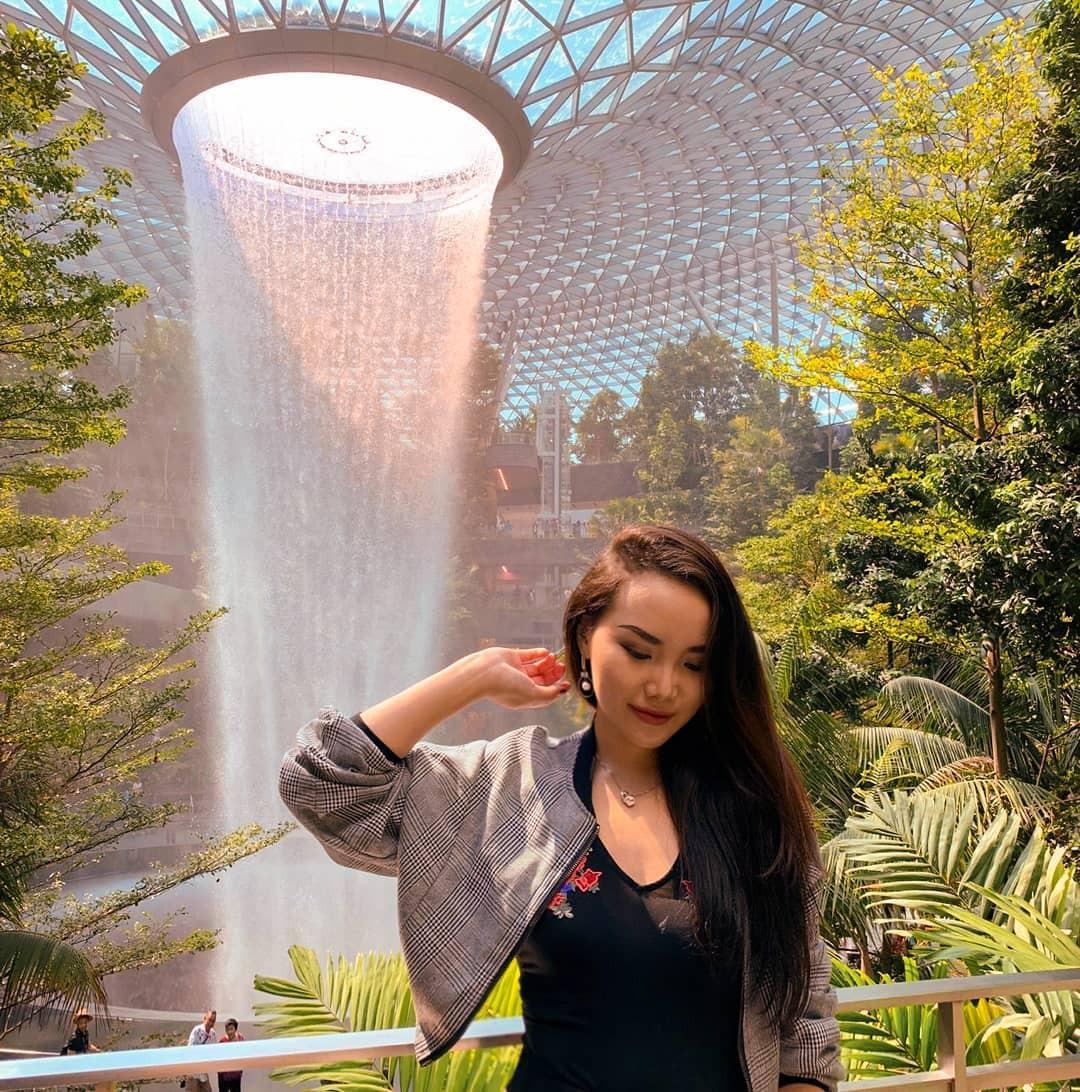 Thác nước khổng lồ chiếm trọn spotlight sân bay Changi - Singapore: cứ 10 người đến đây thì hết 9 người đăng ảnh check-in với background này - Ảnh 4.