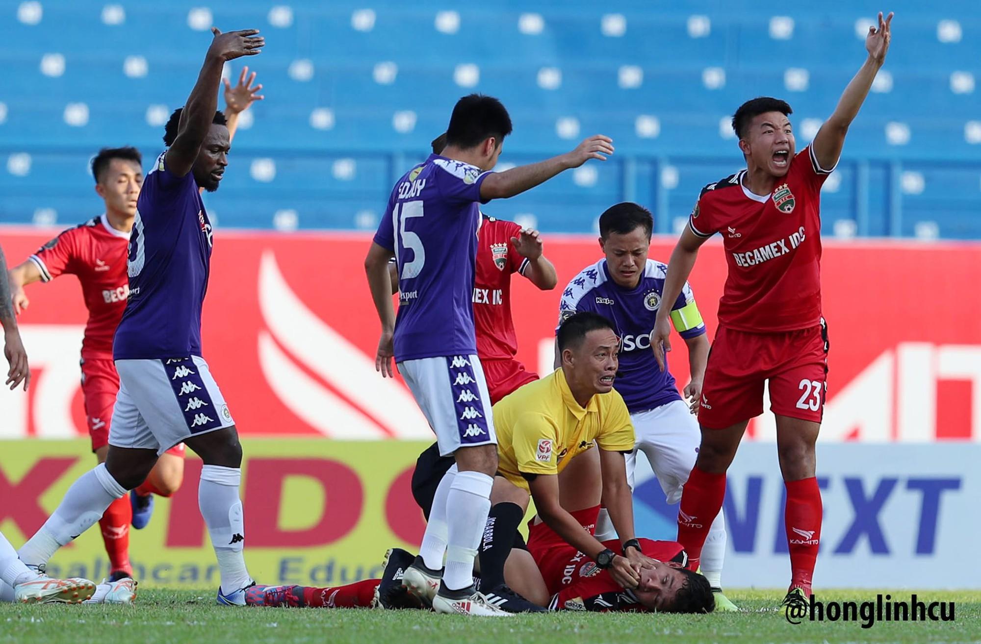 Tuyển thủ U22 Việt Nam va chạm cực mạnh, bất tỉnh chỉ sau 2 phút thi đấu - Ảnh 3.