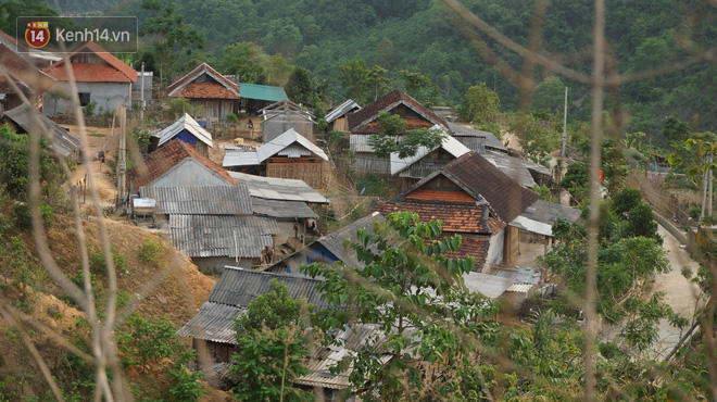 Bản làng nơi những ông trùm ma túy gieo rắc cái chết trắng: Cha mẹ chết vì HIV, con trẻ mồ côi sống lay lắt từng ngày - Ảnh 2.