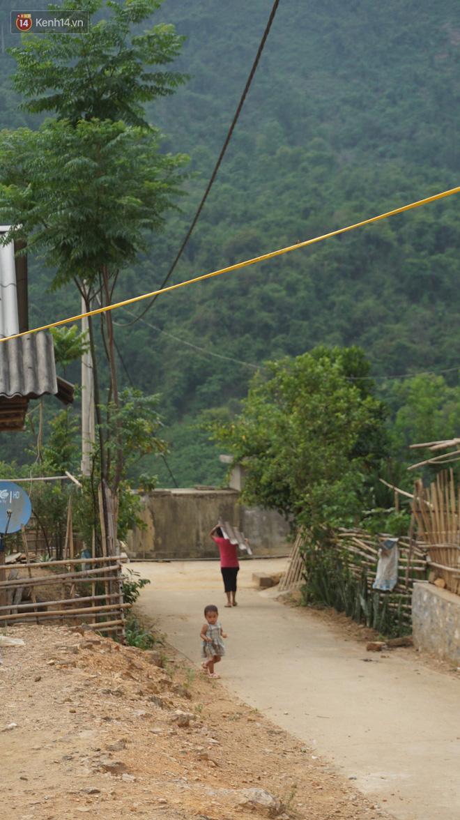 Bản làng nơi những ông trùm ma túy gieo rắc cái chết trắng: Cha mẹ chết vì HIV, con trẻ mồ côi sống lay lắt từng ngày - Ảnh 5.