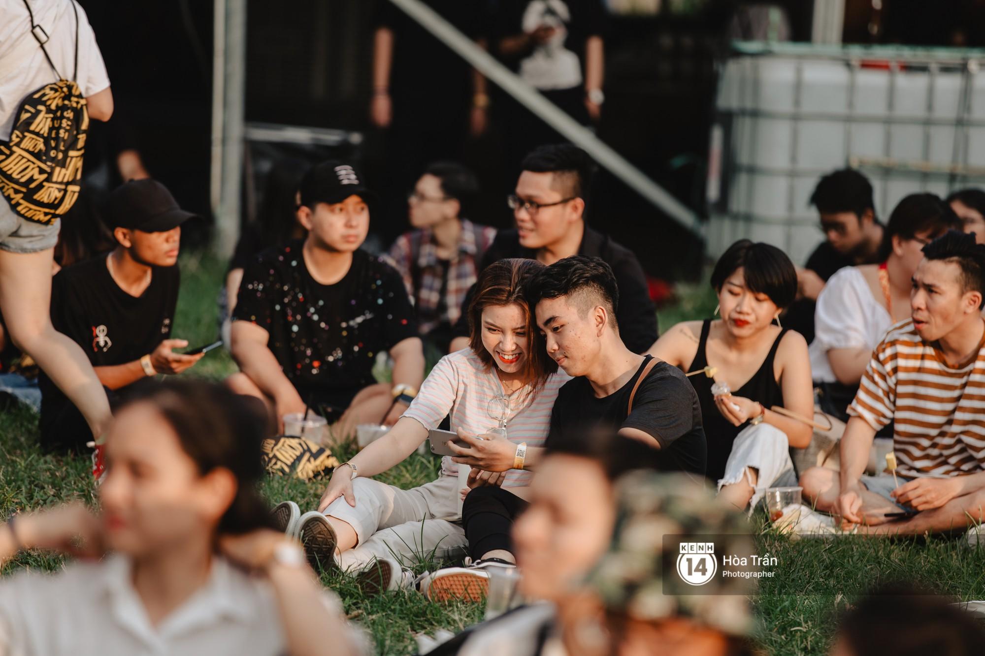 Giới trẻ Sài Gòn cùng loạt nghệ sĩ đình đám như Vũ, Đen Vâu, Suboi hoà mình vào bữa tiệc âm nhạc hoành tráng tại Thơm Music Festival - Ảnh 15.
