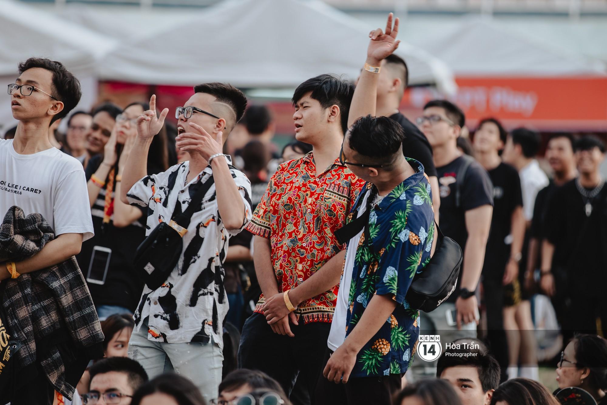 Giới trẻ Sài Gòn cùng loạt nghệ sĩ đình đám như Vũ, Đen Vâu, Suboi hoà mình vào bữa tiệc âm nhạc hoành tráng tại Thơm Music Festival - Ảnh 16.