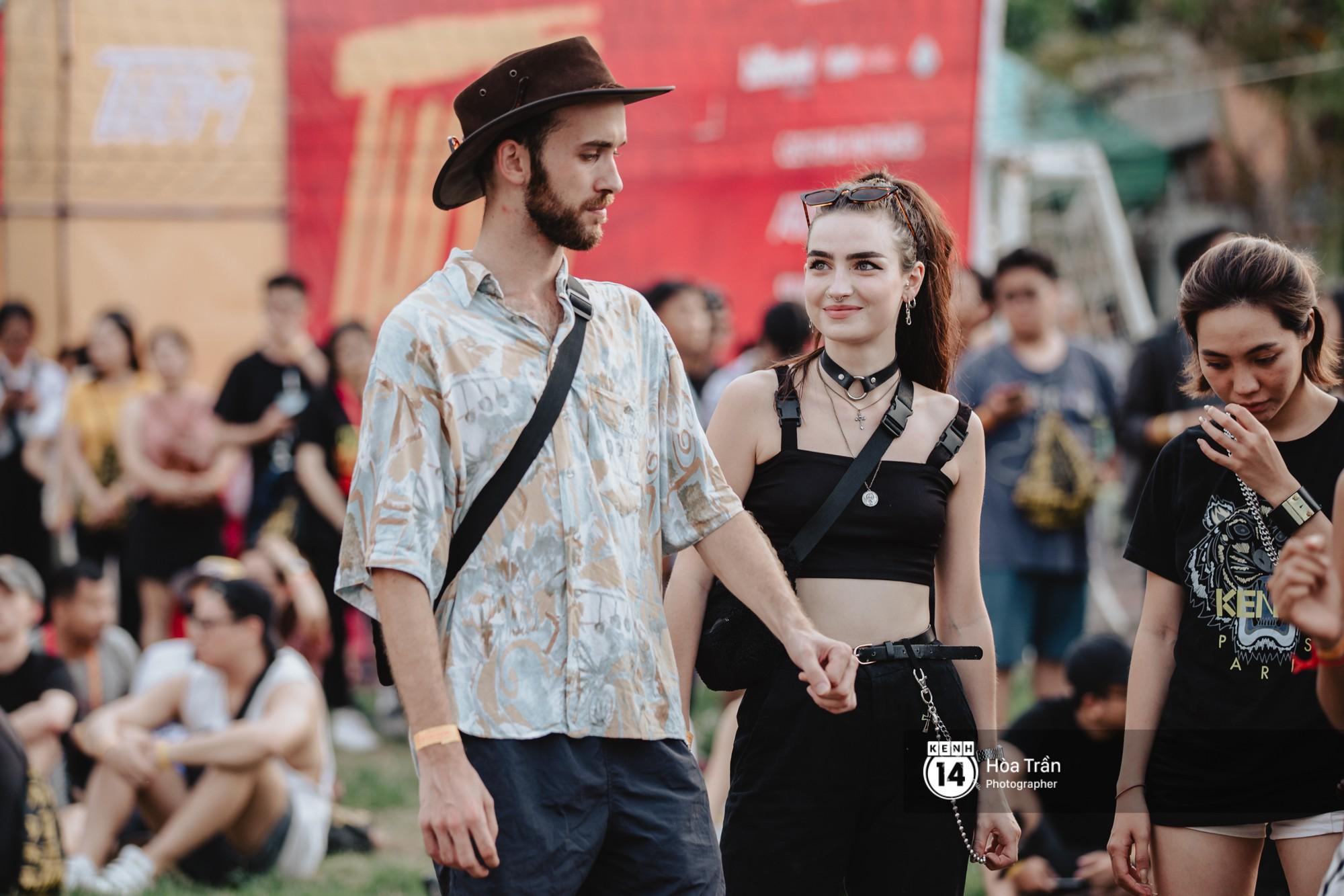 Giới trẻ Sài Gòn cùng loạt nghệ sĩ đình đám như Vũ, Đen Vâu, Suboi hoà mình vào bữa tiệc âm nhạc hoành tráng tại Thơm Music Festival - Ảnh 17.