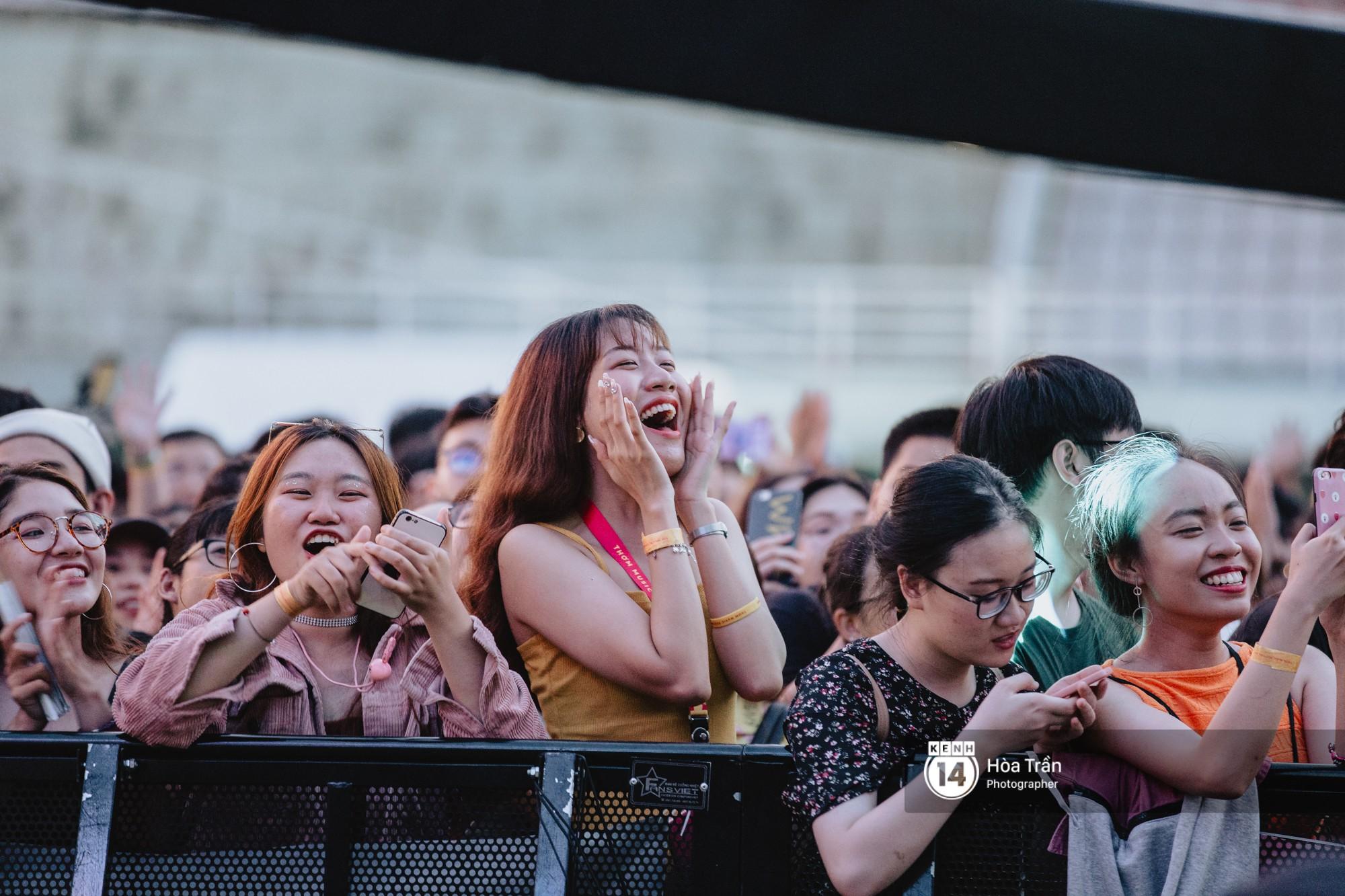 Giới trẻ Sài Gòn cùng loạt nghệ sĩ đình đám như Vũ, Đen Vâu, Suboi hoà mình vào bữa tiệc âm nhạc hoành tráng tại Thơm Music Festival - Ảnh 8.