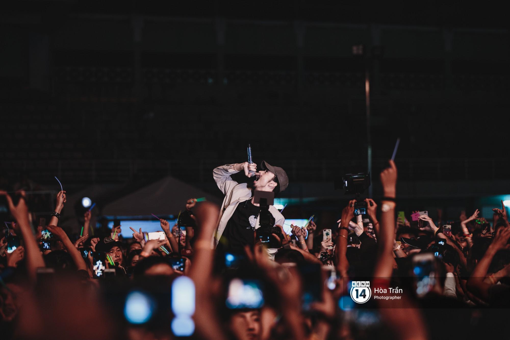 Đen Vâu, Vũ, Ngọt Band cũng loạt nghệ sỹ Indie đình đám khiến Sài Gòn tăng nhiệt tại Thơm Music Festival - Ảnh 6.