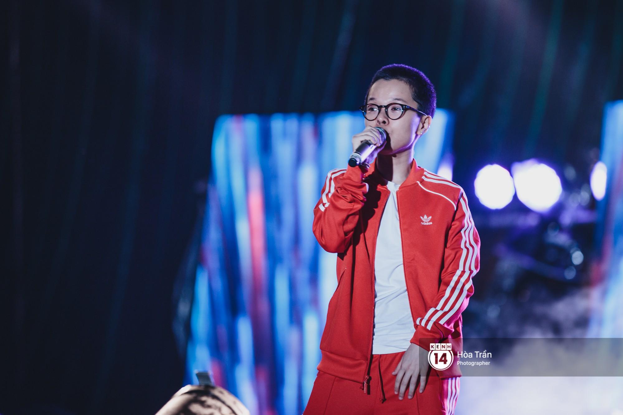 Giới trẻ Sài Gòn cùng loạt nghệ sĩ đình đám như Vũ, Đen Vâu, Suboi hoà mình vào bữa tiệc âm nhạc hoành tráng tại Thơm Music Festival - Ảnh 10.