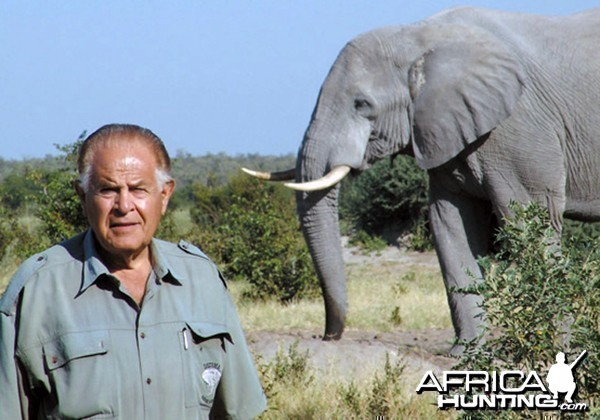 Ra tay sát hại hơn 1300 con voi, thợ săn tuyên bố: Loài voi sẽ sớm tuyệt chủng, thật đáng tiếc! - Ảnh 5.