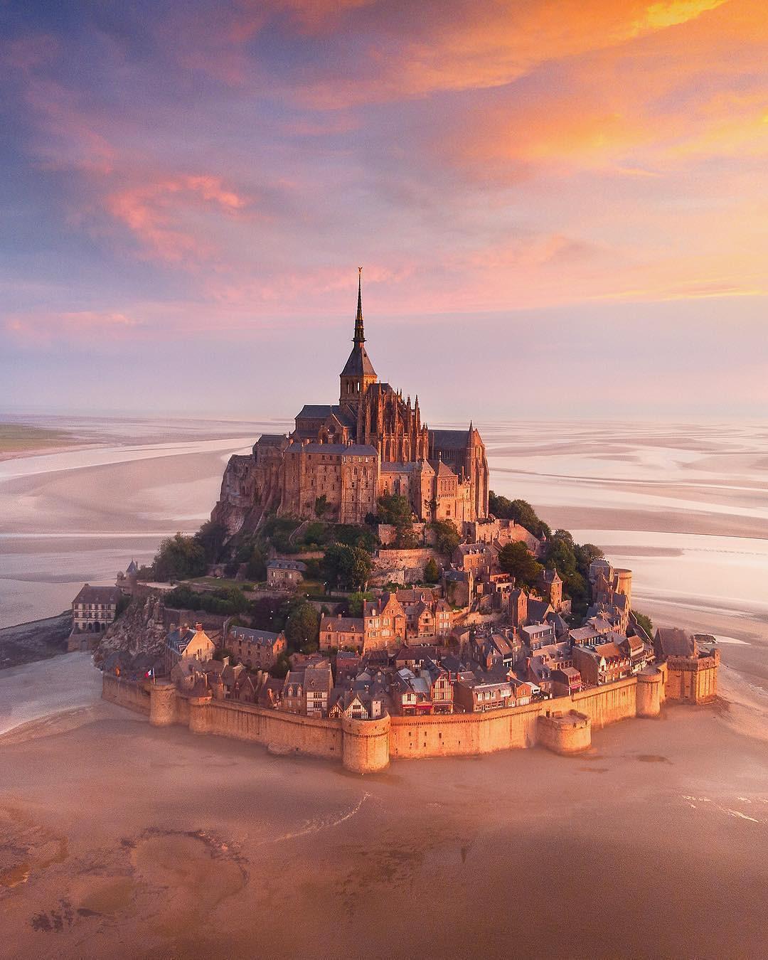 Ngỡ chỉ có trên phim hoạt hình Disney, hóa ra 10 kiến trúc nổi tiếng này là có thật 100% ngoài đời - Ảnh 17.