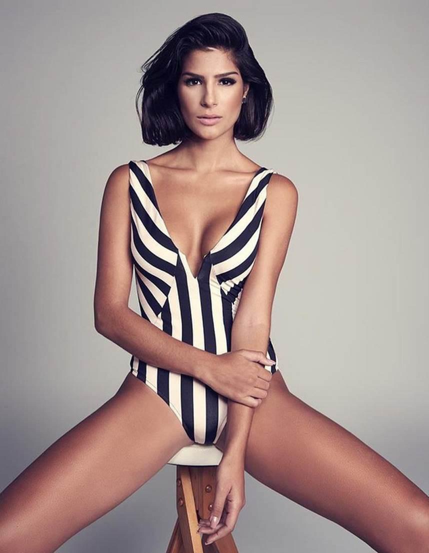 Đối thủ Hoàng Thùy tại Miss Universe 2019: Từ cơ bụng 6 múi đến thành tích cực khủng đủ sức nuốt chửng bất cứ người đẹp nào! - Ảnh 18.