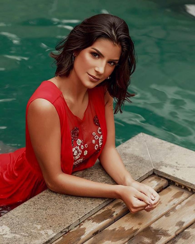Đối thủ Hoàng Thùy tại Miss Universe 2019: Từ cơ bụng 6 múi đến thành tích cực khủng đủ sức nuốt chửng bất cứ người đẹp nào! - Ảnh 16.