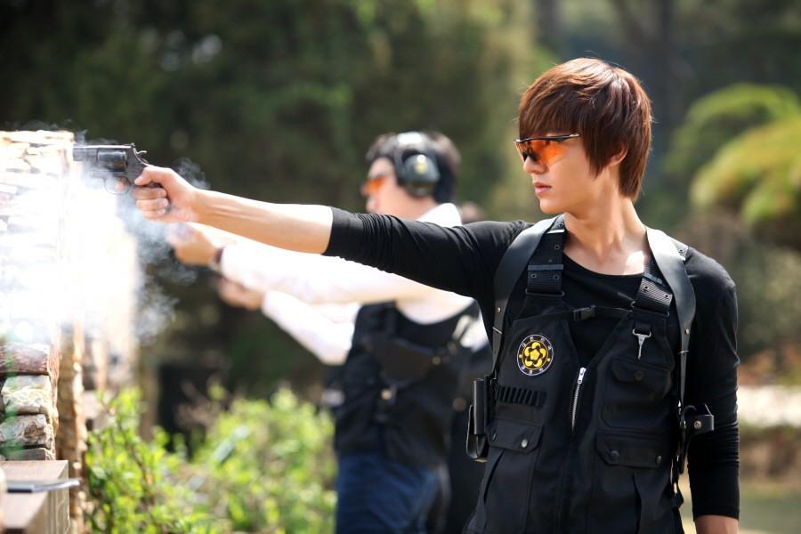 10 năm lột xác ngoại hình của Lee Min Ho: Từ nam thần Vườn sao băng thành tài tử với loạt màn tăng cân gây sốc - Ảnh 9.