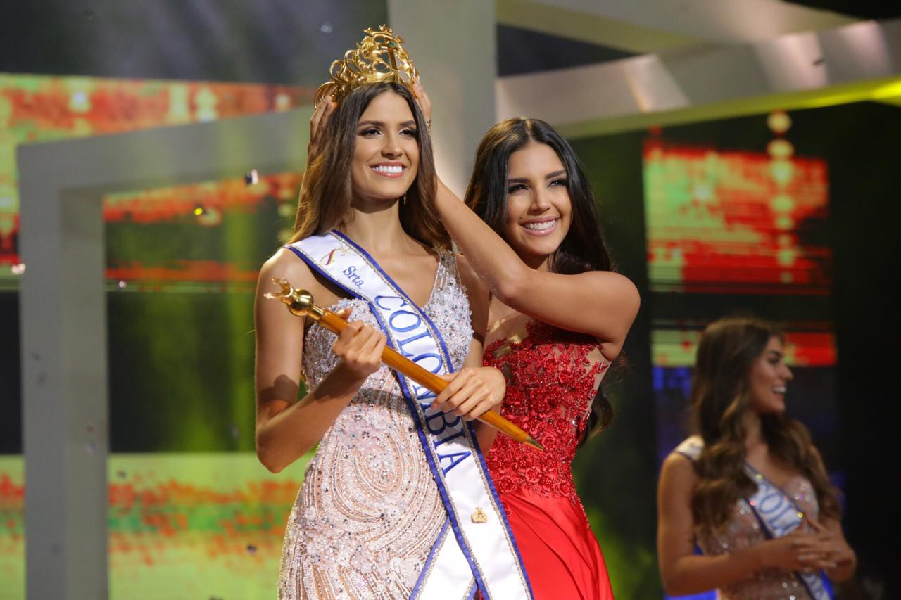 Đối thủ Hoàng Thùy tại Miss Universe 2019: Từ cơ bụng 6 múi đến thành tích cực khủng đủ sức nuốt chửng bất cứ người đẹp nào! - Ảnh 11.