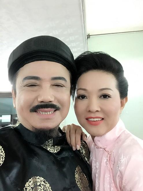 Nghệ sĩ Hồng Tơ vừa bị bắt để điều tra hành vi đánh bạc: Bố mẹ từ mặt, vợ bỏ, giang hồ thóa mạ chỉ vì… kiếp đỏ đen - Ảnh 1.