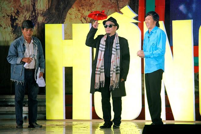 Nghệ sĩ Hồng Tơ vừa bị bắt để điều tra hành vi đánh bạc: Bố mẹ từ mặt, vợ bỏ, giang hồ thóa mạ chỉ vì… kiếp đỏ đen - Ảnh 2.