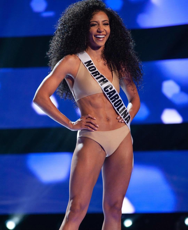 Đối thủ Hoàng Thùy tại Miss Universe 2019: Từ cơ bụng 6 múi đến thành tích cực khủng đủ sức nuốt chửng bất cứ người đẹp nào! - Ảnh 8.