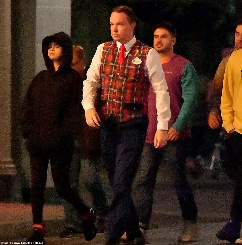 Rò rì hình ảnh Selena Gomez thân mật cùng trai lạ, cuối cùng đã có tình mới sau nhiều năm chia tay Justin? - Ảnh 3.