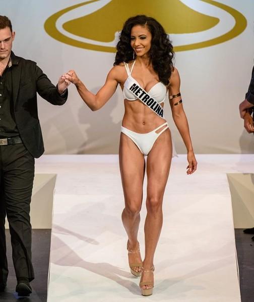 Đối thủ Hoàng Thùy tại Miss Universe 2019: Từ cơ bụng 6 múi đến thành tích cực khủng đủ sức nuốt chửng bất cứ người đẹp nào! - Ảnh 9.