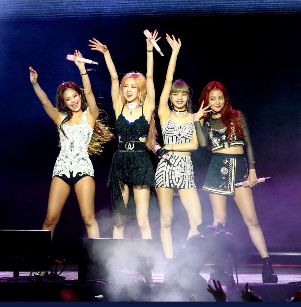 Tiếp tục tranh cãi YG ưu ái Jennie: Mỹ nhân này có được thứ các thành viên BLACKPINK khác không có suốt tour diễn - Ảnh 3.
