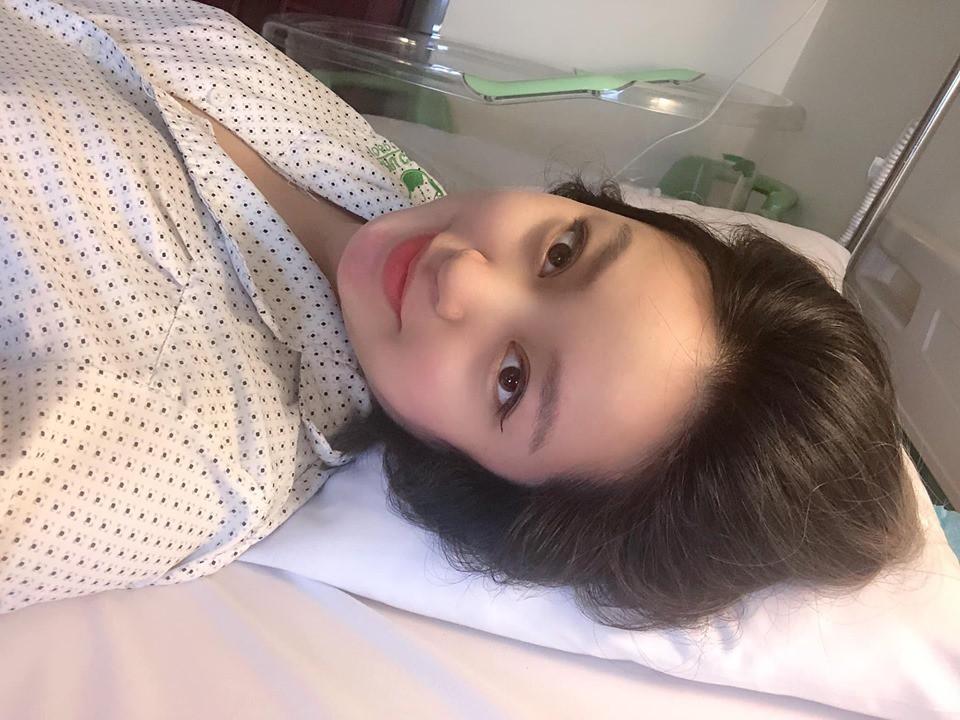 Selfie sau khi sinh con lần 2, Mi Vân khiến dân tình trầm trồ vì sự nghiệp làm mẹ không thể xô đổ nhan sắc tường thành - Ảnh 2.