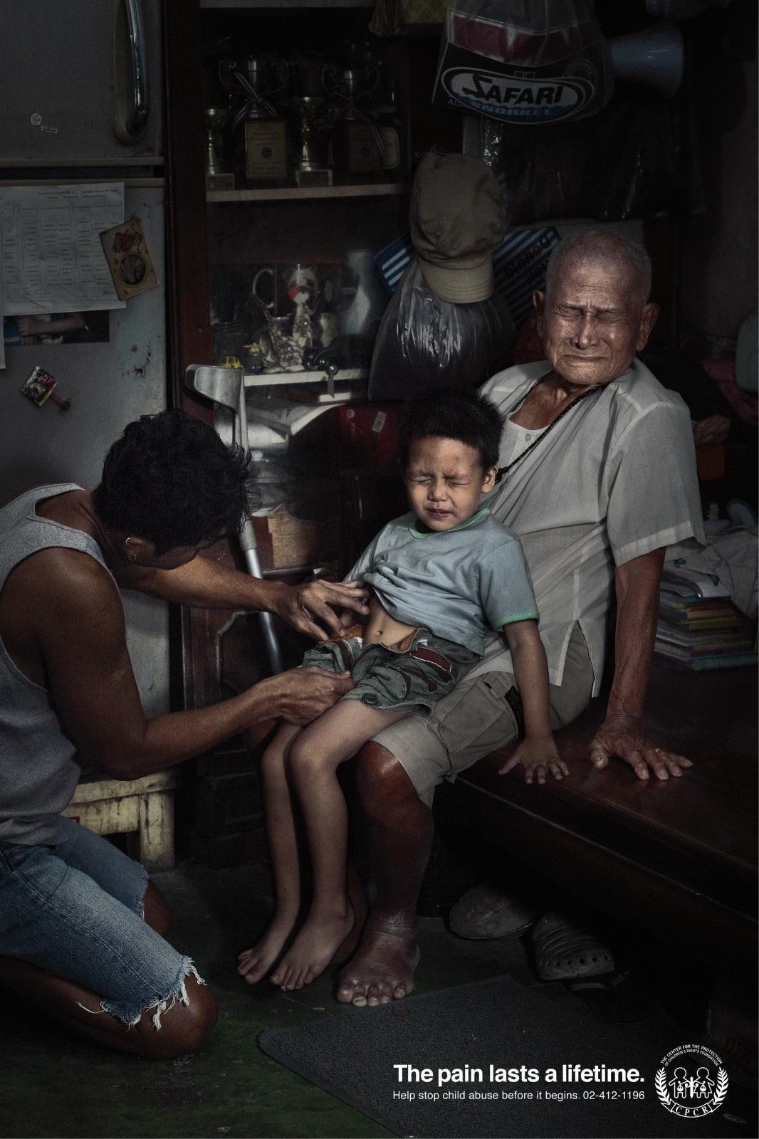 Nỗi đau theo suốt một đời - bộ ảnh phòng chống lạm dụng trẻ em từng gây chấn động MXH Thái Lan - Ảnh 2.