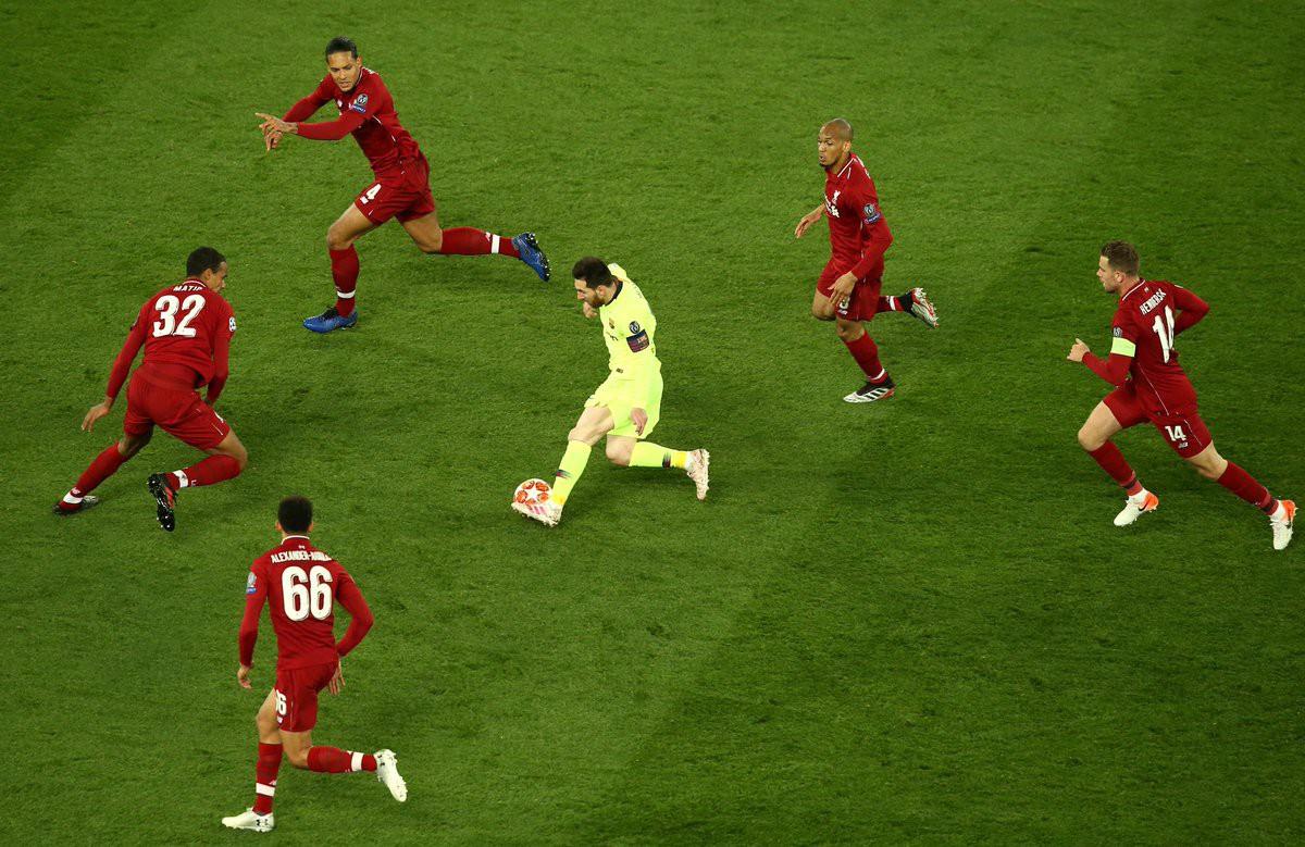 Bức ảnh gây sốt sau trận Liverpool - Barca và đây là lời kêu gọi khẩn thiết của các fan hâm mộ Messi tới cộng đồng mạng - Ảnh 1.