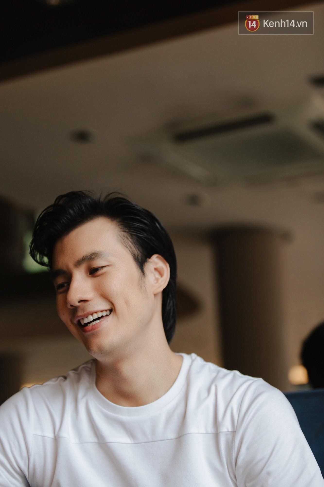 Nhan Phúc Vinh ám ảnh biến cố 10 năm với đạo diễn Nguyễn Quang Dũng: Tôi khóc như mưa ngay giữa quán nhậu - Ảnh 2.