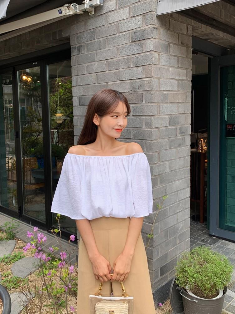 Đếm sơ sơ đã có 6 mẫu áo blouse xinh không để đâu cho hết giúp nàng công sở mặc đẹp suốt hè này - Ảnh 15.