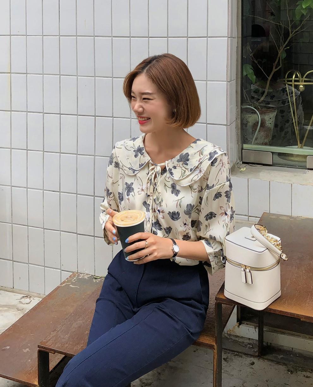 Đếm sơ sơ đã có 6 mẫu áo blouse xinh không để đâu cho hết giúp nàng công sở mặc đẹp suốt hè này - Ảnh 17.