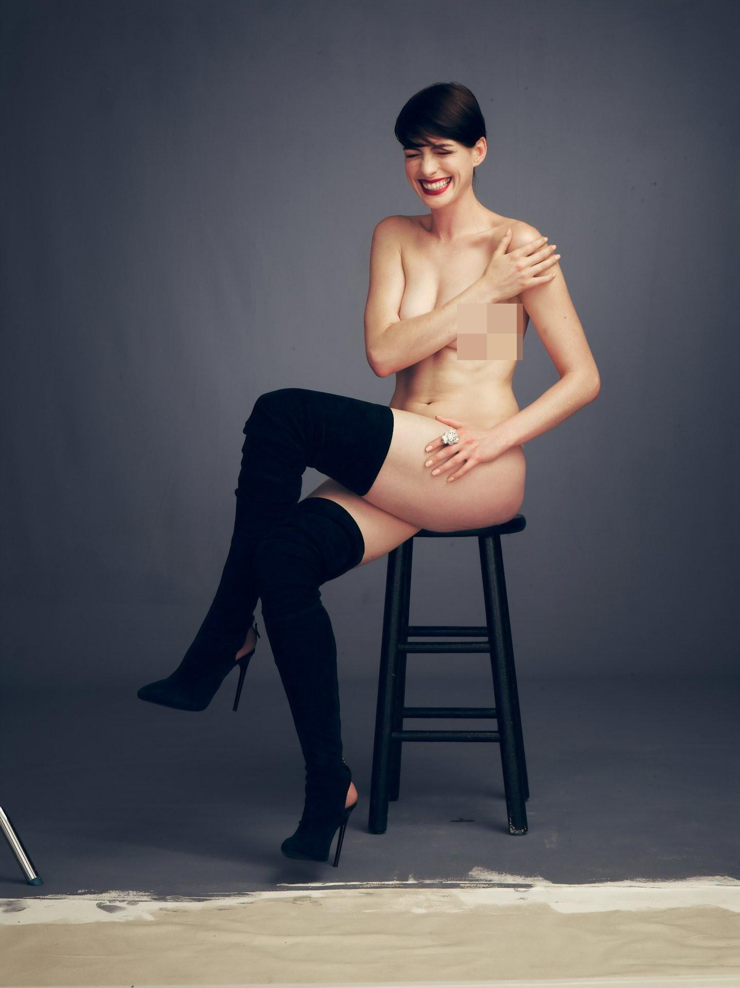 Mê mẩn trước bộ ảnh nóng bỏng mắt, đang gây bão mạng vì gần như khoả thân hoàn toàn của Anne Hathaway - Ảnh 5.