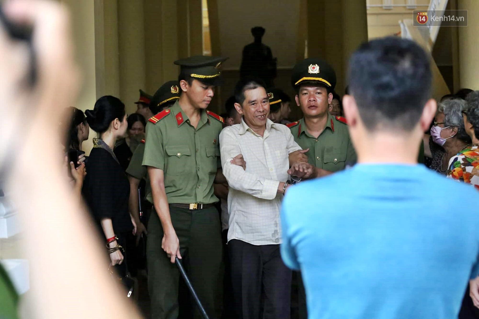Ông trùm Văn Kính Dương vẫn cười dù bị đề nghị tử hình, hotgirl Ngọc Miu bật khóc khi VKS đưa mức án 20 năm tù - Ảnh 20.