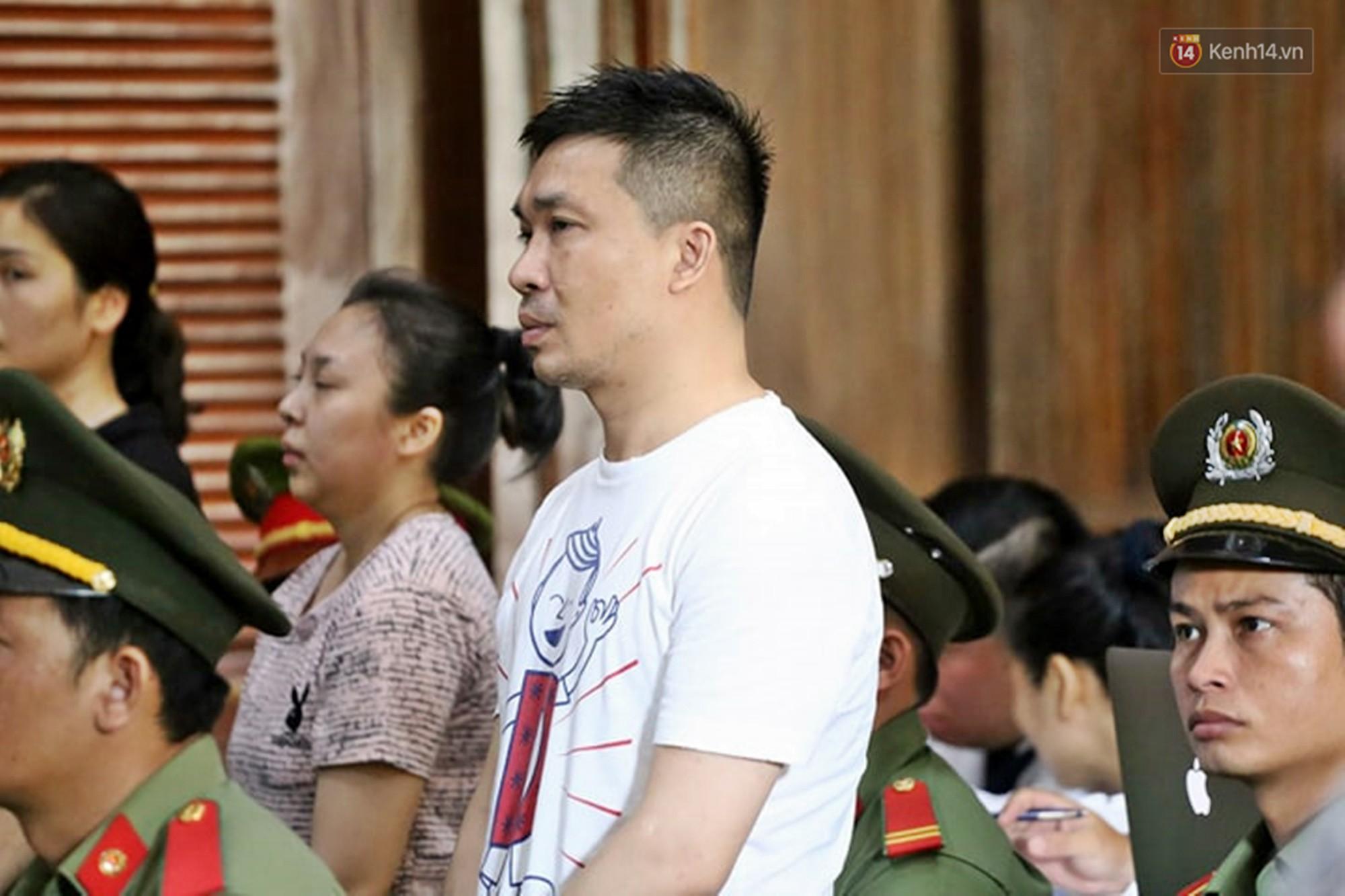 Ông trùm Văn Kính Dương vẫn cười dù bị đề nghị tử hình, hotgirl Ngọc Miu bật khóc khi VKS đưa mức án 20 năm tù - Ảnh 11.