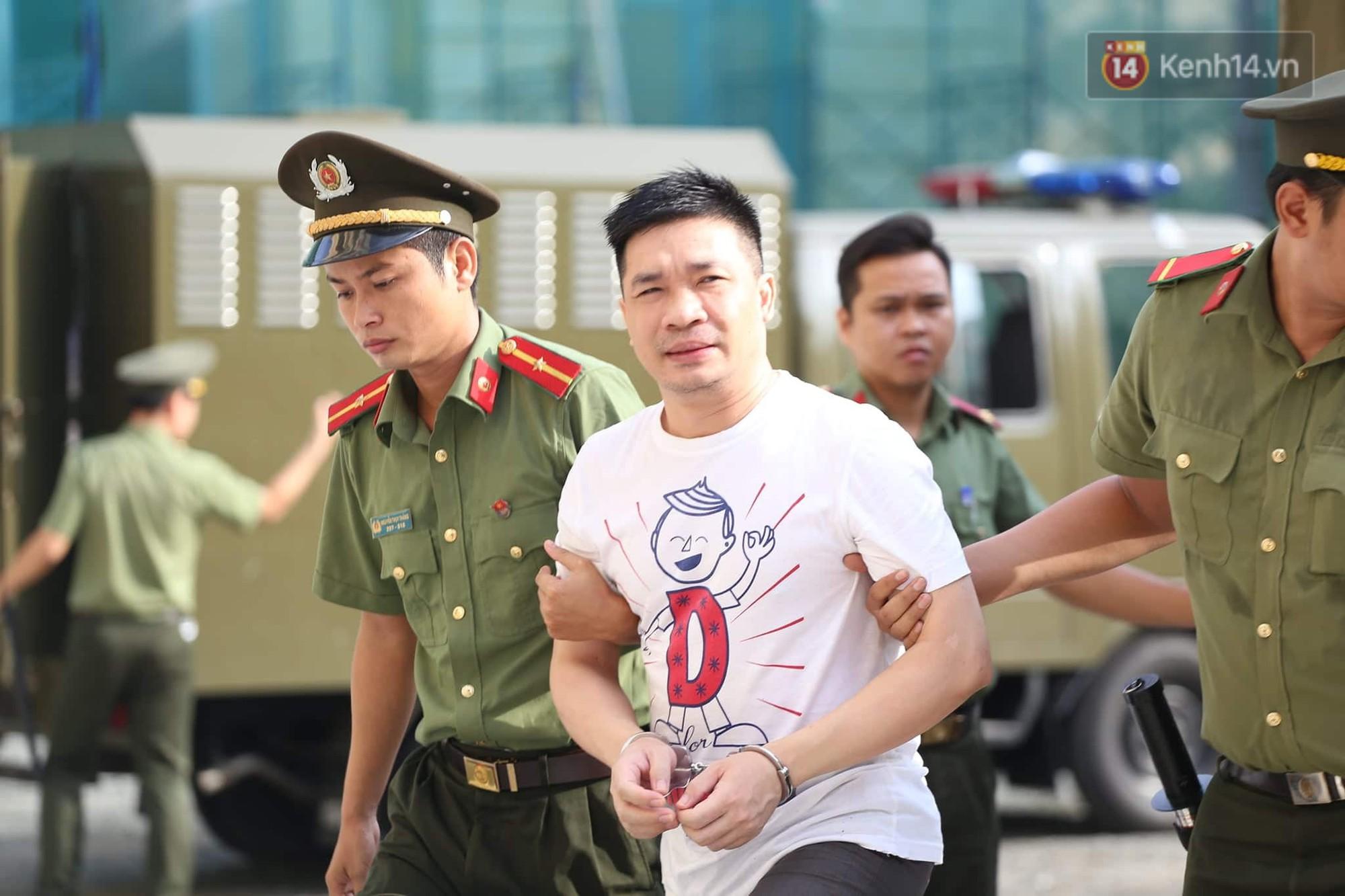 Ông trùm Văn Kính Dương vẫn cười dù bị đề nghị tử hình, hotgirl Ngọc Miu bật khóc khi VKS đưa mức án 20 năm tù - Ảnh 1.