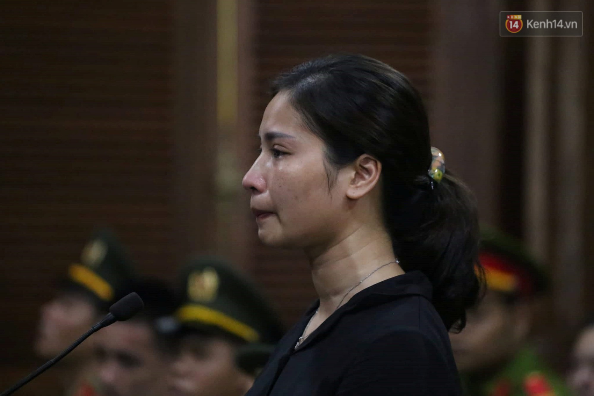 Ngày thứ 3 xét xử ông trùm Văn Kính Dương và đồng phạm: Các nữ bị cáo mong tòa xem xét lại mức án để có cơ hội về nhà với con - Ảnh 10.