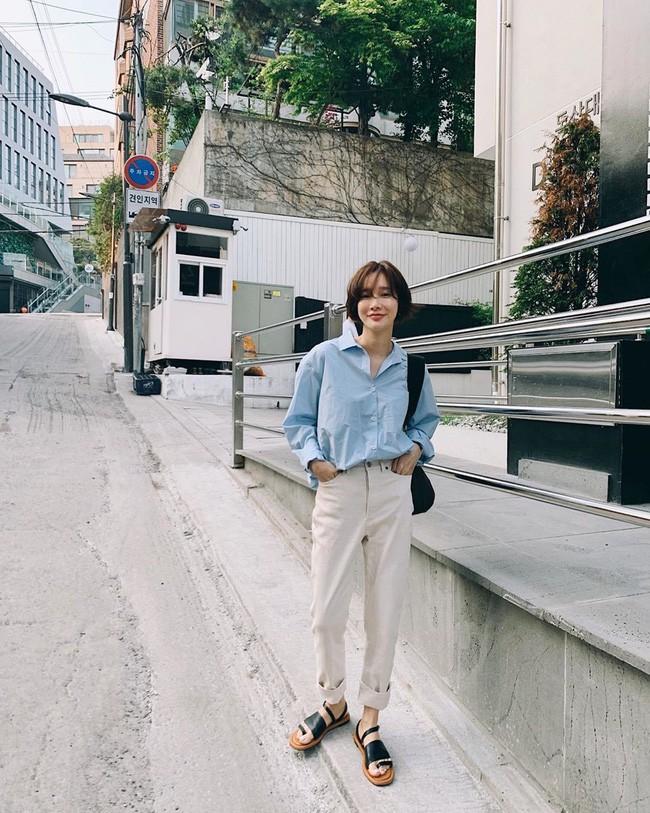 Cá là bạn không chỉ học được cách mix đồ mà còn tiện học được cả cách pose dáng ảo diệu từ street style Châu Á - Ảnh 2.
