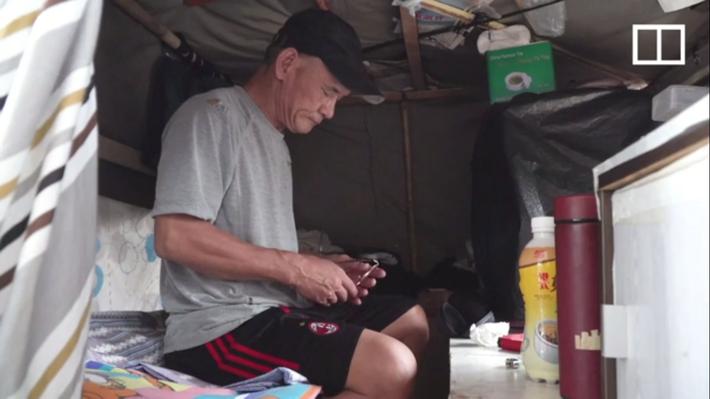 Cuộc sống của người đàn ông vô gia cư gốc Việt ở nơi nghèo nhất Hong Kong và sự tương phản nghiệt ngã của thành phố hoa lệ bậc nhất hành tinh - Ảnh 4.