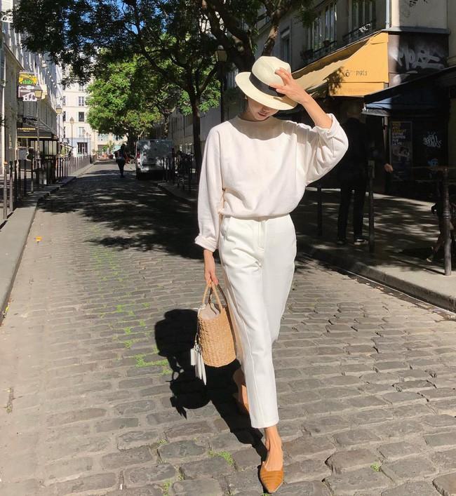 Cá là bạn không chỉ học được cách mix đồ mà còn tiện học được cả cách pose dáng ảo diệu từ street style Châu Á - Ảnh 7.