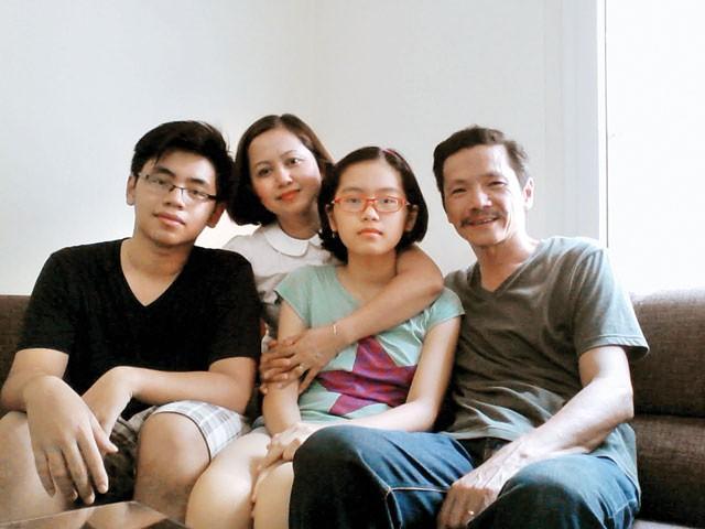 """Dàn diễn viên """"Về nhà đi con"""": Người kết hôn khi còn là sinh viên đại học, người năm lần bảy lượt vướng ồn ào tình cảm - Ảnh 13."""
