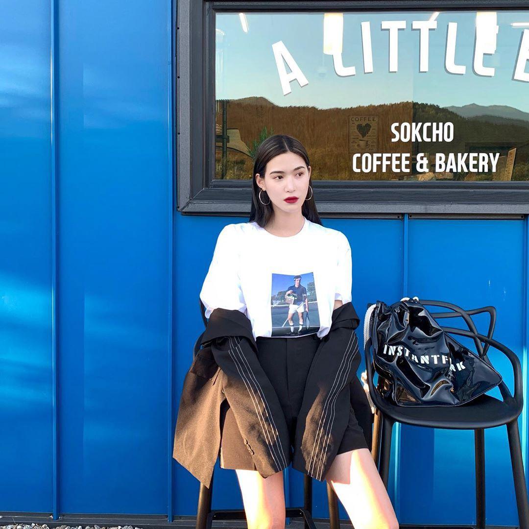 Street style các hot girl bán hàng Hàn Quốc tuần qua: 10 cách lên đồ không chụp OOTD hơi phí cho cuối tuần lẫn du lịch nghỉ dưỡng - Ảnh 5.
