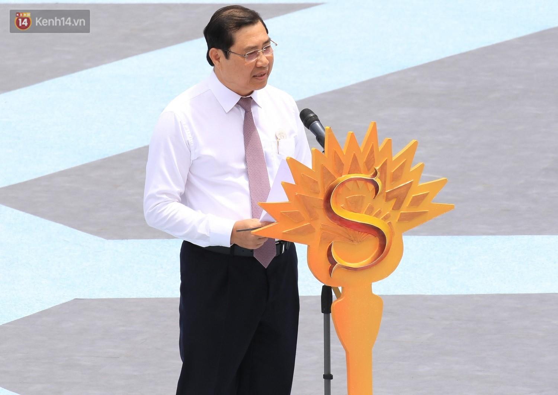 """Ấn tượng """"Vũ hội Ánh Dương"""", sự kiện mở đầu lễ hội pháo hoa Quốc tế 2019 ở Đà Nẵng - Ảnh 1."""