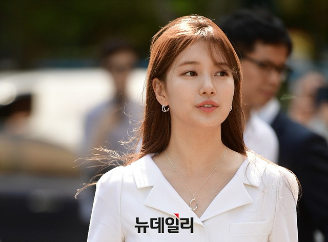 Sau loạt ảnh lung linh đến mức câm nín này, có lẽ Suzy đã đạt đến đẳng cấp nữ thần đẹp nhất Kpop - Ảnh 10.