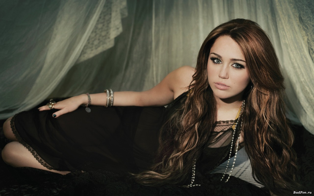 Miley Cyrus: Nàng công chúa Disney chinh phục cả thế giới và chàng hoàng tử đời mình bằng cái điên bản năng - Ảnh 4.