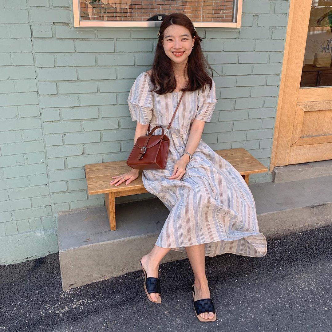 Street style các hot girl bán hàng Hàn Quốc tuần qua: 10 cách lên đồ không chụp OOTD hơi phí cho cuối tuần lẫn du lịch nghỉ dưỡng - Ảnh 7.