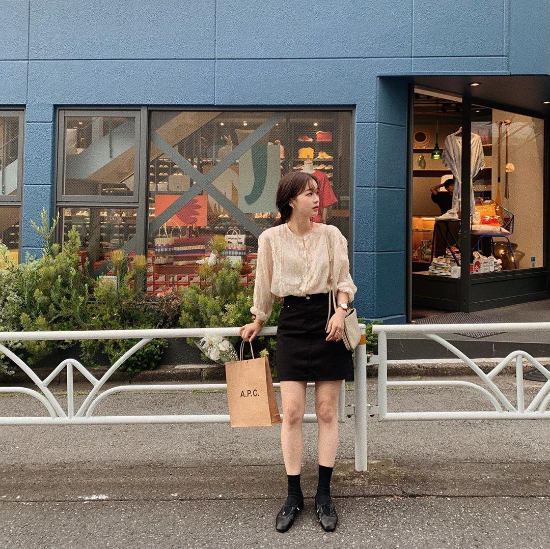Street style các hot girl bán hàng Hàn Quốc tuần qua: 10 cách lên đồ không chụp OOTD hơi phí cho cuối tuần lẫn du lịch nghỉ dưỡng - Ảnh 6.
