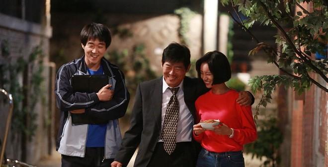 6 cặp anh em chó mèo của phim Hàn: Số 2 chủ tịch Park Seo Joon lầy lội, số 4 cực kì cảm động - Ảnh 18.