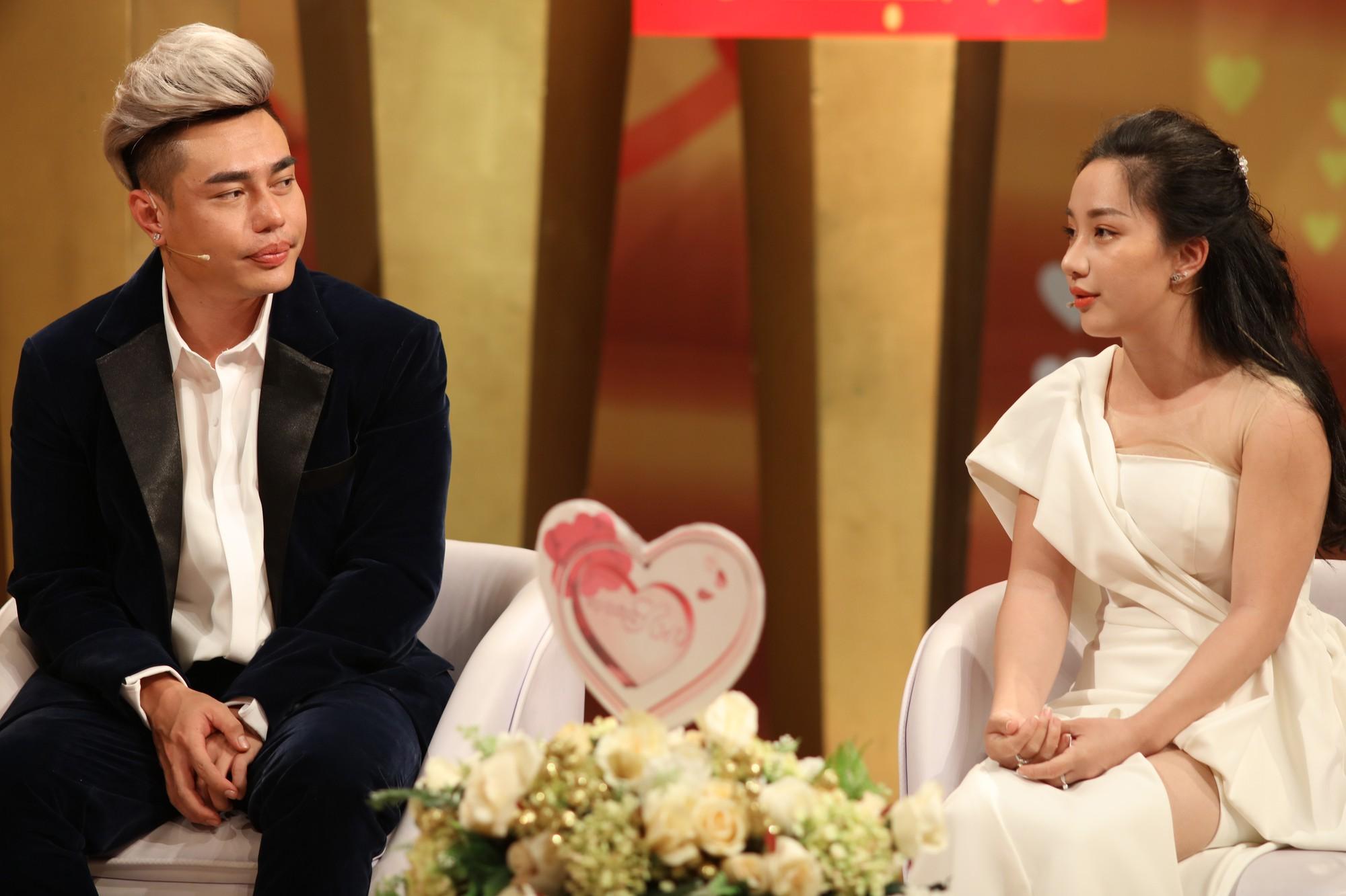 """Chuyện tình 7 năm của Lê Dương Bảo Lâm và nữ trợ lý: """"Ở nhà bị gọi là công chúa, vợ như là mẹ"""" - Ảnh 2."""
